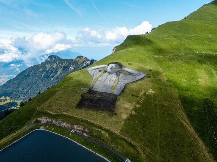 saype-land-art-leysin-switzerland-designboom-05