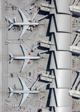 mike-kelley-airport-photography-11